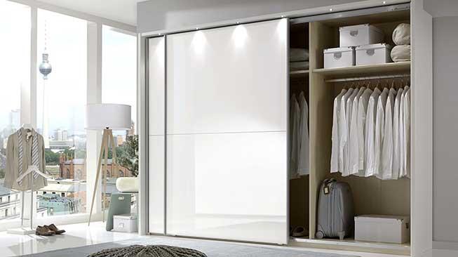 Ruang Wardrobe Nan Elegan